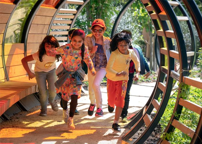 Handspring Design - Kew Gardens - Tunnel Hoop children